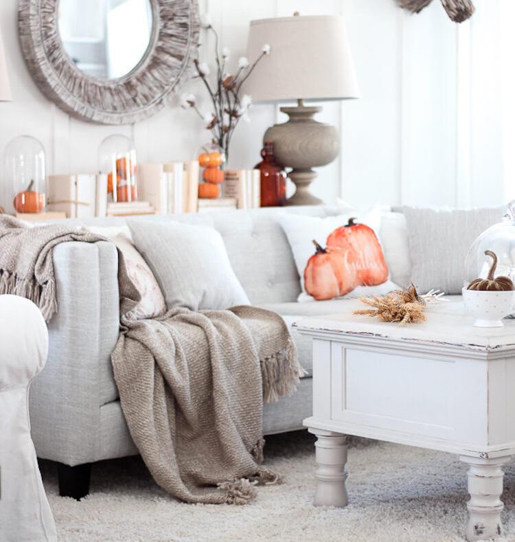 10 Ideas para decorar tu casa en otoño- mantas del salón