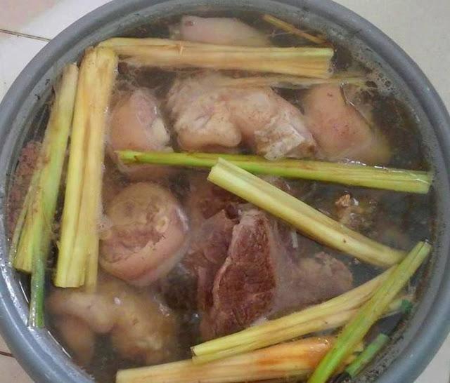 Hướng dẫn cách nấu món bún bò giò lợn ngon như quán