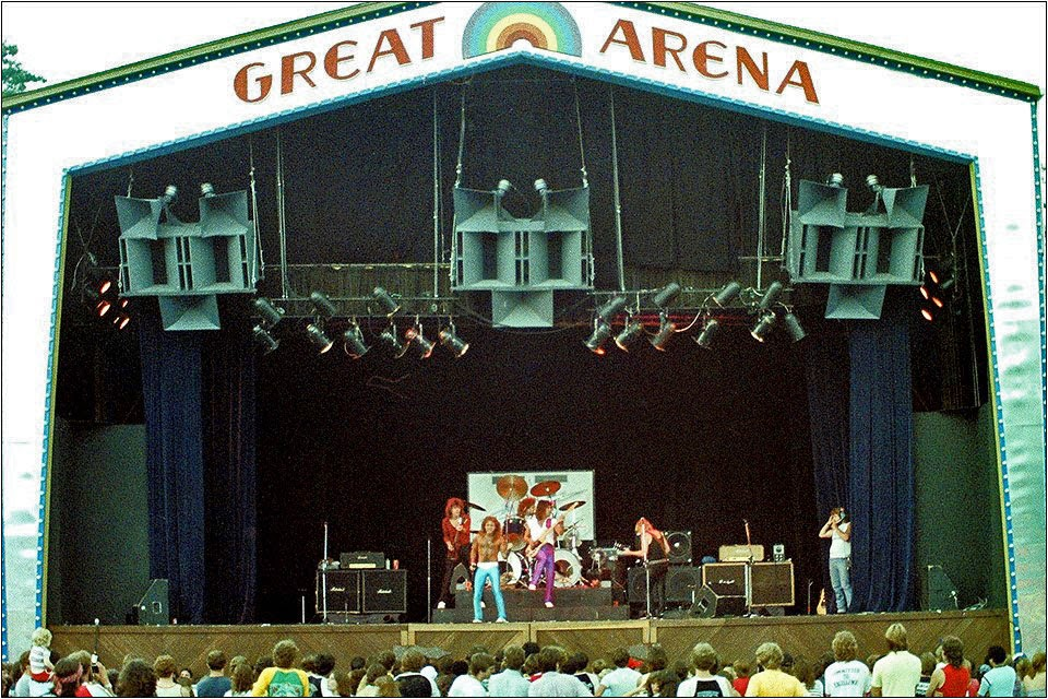 TT Quick on stage at Great Adventure Amusement Park Jackson, New Jersey 1982. Not sure who they were opening up for here.