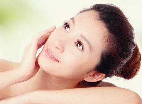 8 Cara Menghaluskan Kulit Wajah Kasar Secara Alami yang Paling Ampuh