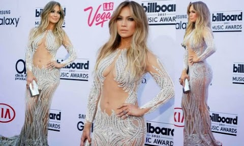 Jlo deslumbra en los Premios Billboards 2015