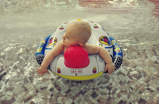na-basenie-z-dzieckiem