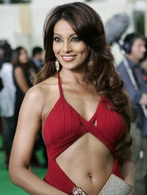 Sexy boobs Bipasha