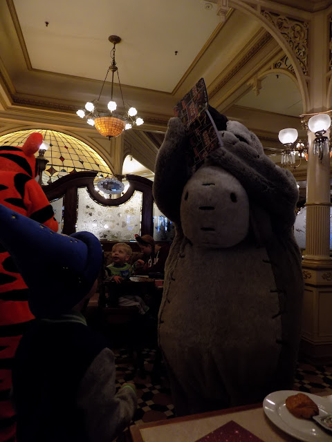 Plaza Gardens Character breakfast at Disneyland Paris
