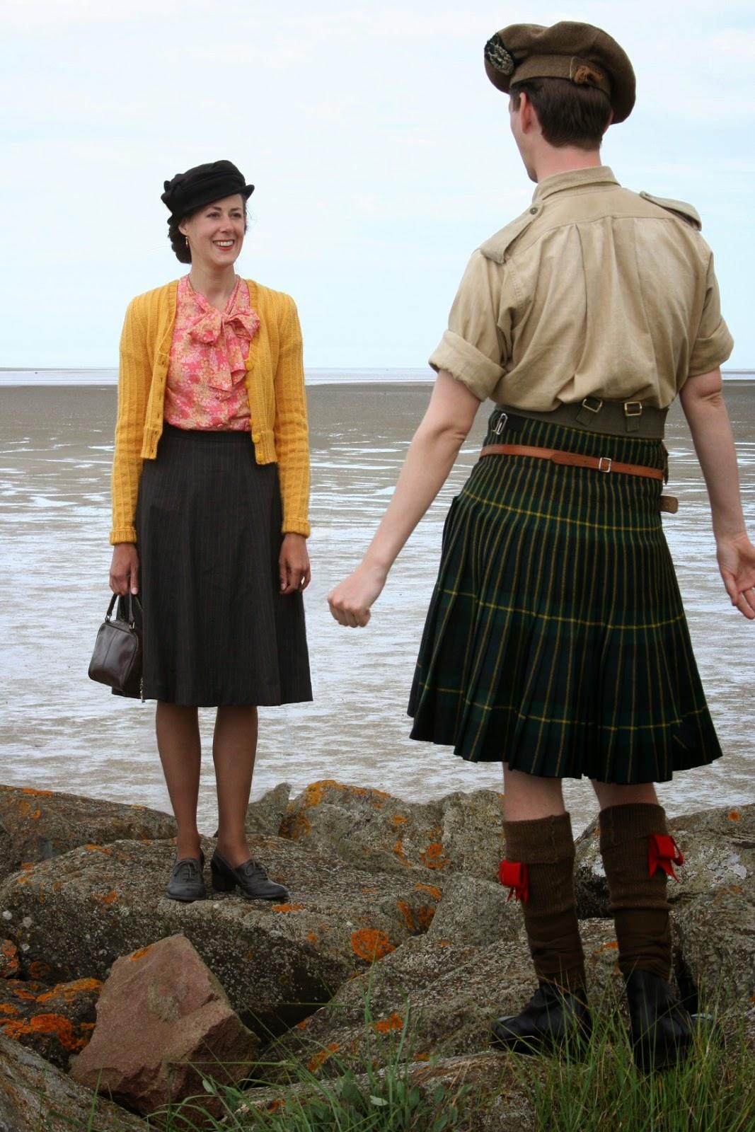 http://misshendrie.blogspot.nl/2014/07/1940s-pinstripe-skirt.html