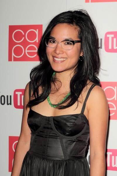 Ali Wong cleavage