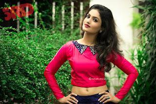 Saniya Iyyappan Hot Navel Photos