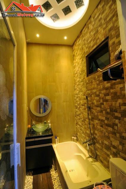 kamar mandi mewah rumah dijual murah malang araya