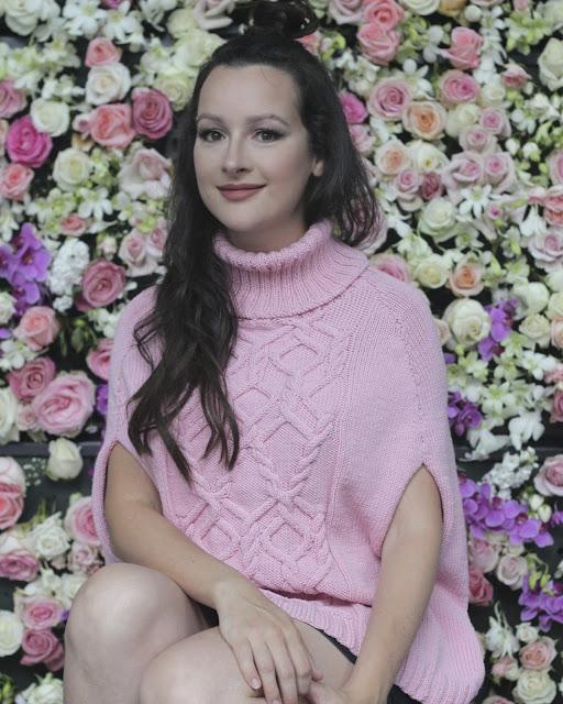 Julia Bobbin - Sweater Cape by Cleckheaton Patterns