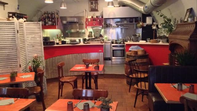 Restaurante Le Petit Bar em Mônaco