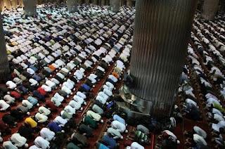 Hukum Shalat berjamaah Bacaan Al Fatiha dan masbuk