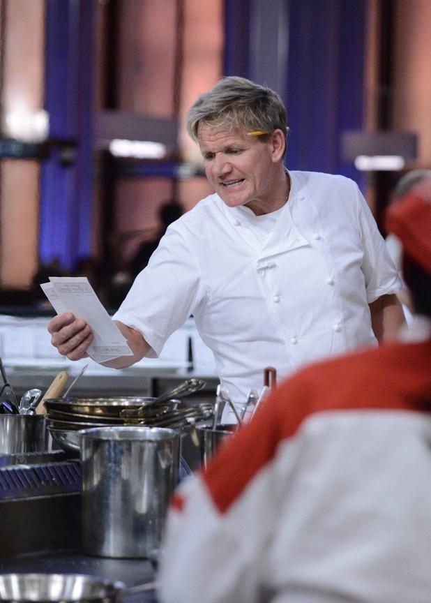 Hell's Kitchen - Season 12 Episode 09: 12 Chefs Compete