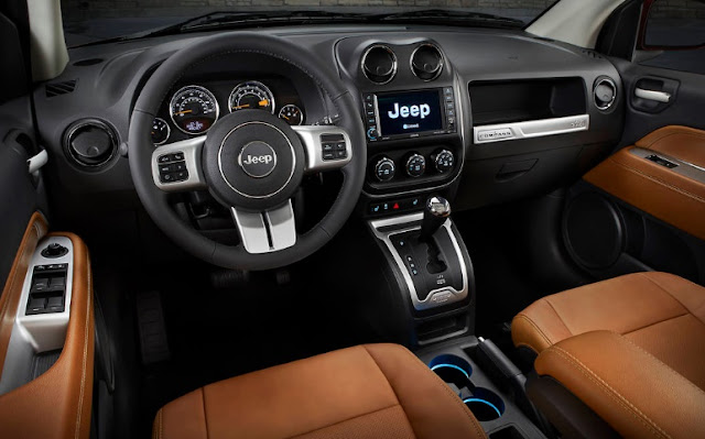 2017 Jeep Compass interior