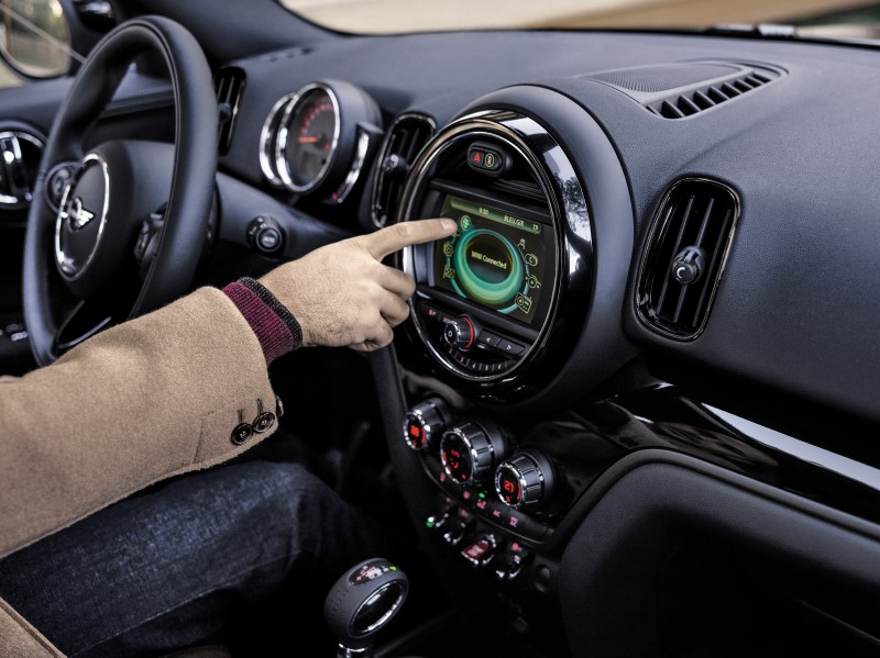 Mini France Launches The Oakwood Mini Countryman Edition Lovemini
