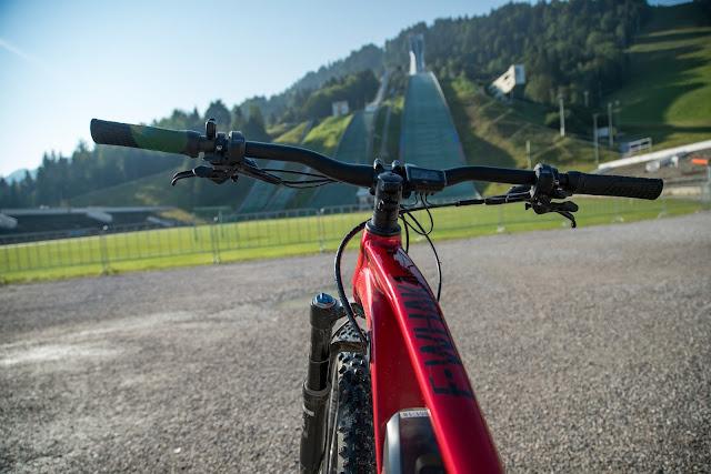 E-Bike and Hike zum Königsschloss am Schachen  Garmisch-Partenkirchen  Alpentestival-Garmisch-Partenkirchen  Bike-and-Hike  Schachenschloss 02