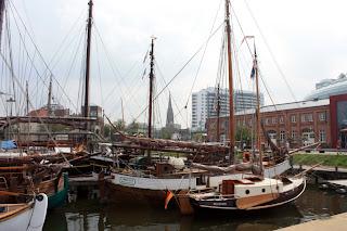 Hafen Bremerhaven mit Segelschiffen
