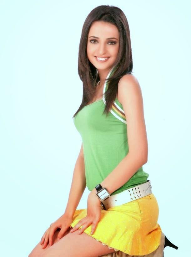 Sanaya Irani Hot Sexy Look Slim Body Figure-5573