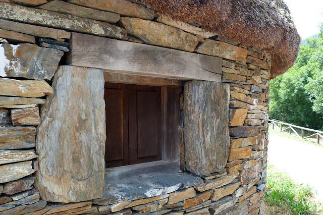 Centro de Interpretación de La Palloza de San Antolín de Ibias - Asturias