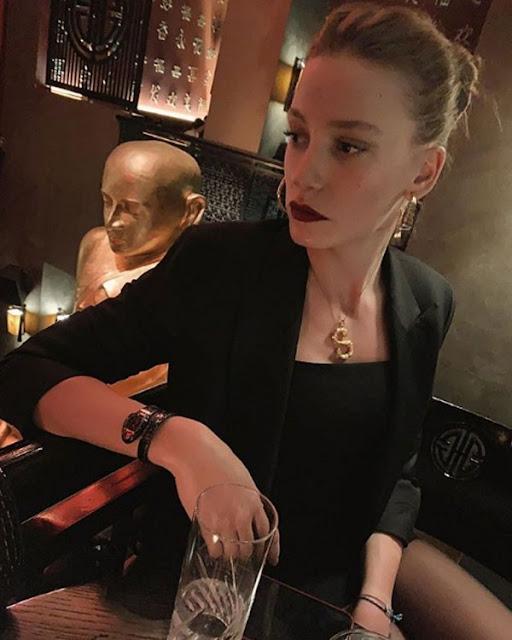 «ثعبان» سيريناي ساريكايا يبهر محبيها.. كمّ سعره؟