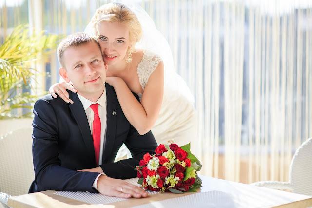 красивые места для фотосессии в Днепре. красивые фото Днепра. свадебные фото Днепра. Свадебный фотограф Днепр. Отель Корона
