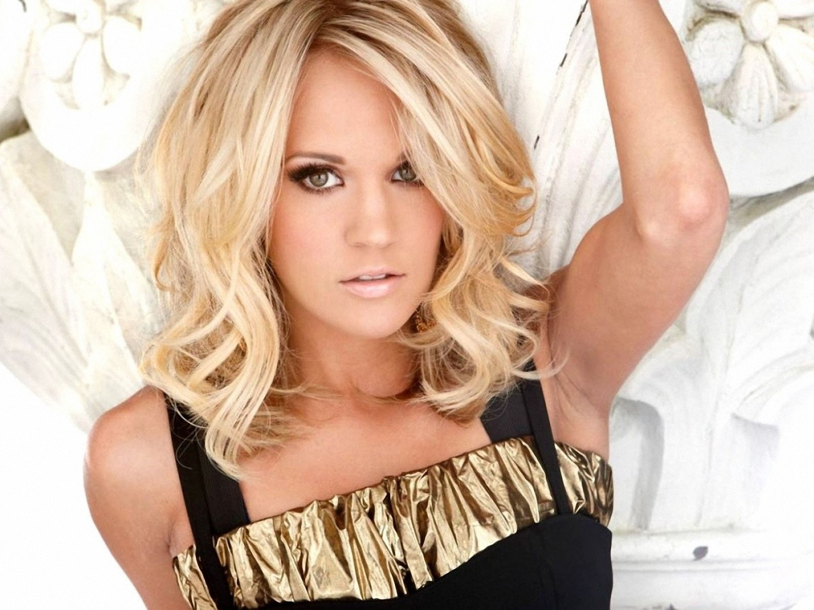 b7935d70db Carrie Underwood photoshoot. Posted by RAJA KUMAR at 02 58