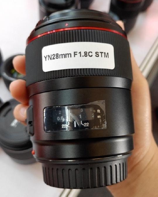 Yongnuo YN 28mm f/1.8 C STM