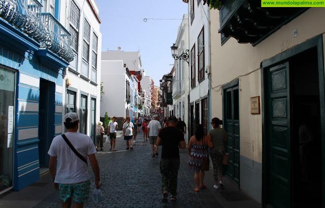 El Ayuntamiento interviene en la calle Pérez de Brito para continuar las mejoras de la canalización de agua