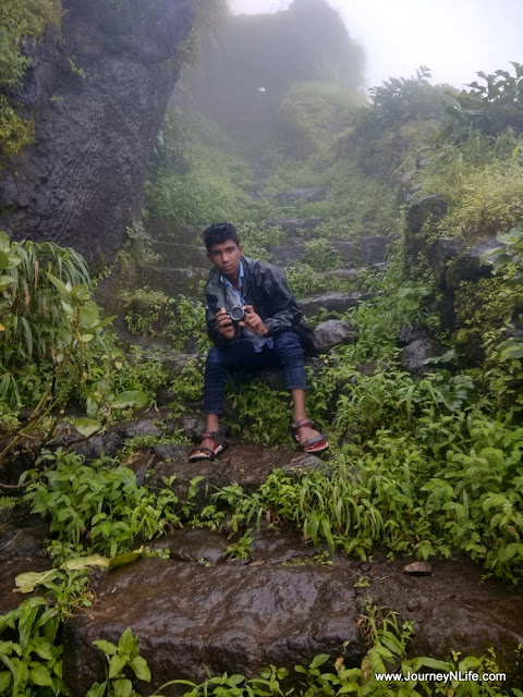 Rohida Fort (Vichitragad) - Quick Monsoon Trek near Pune