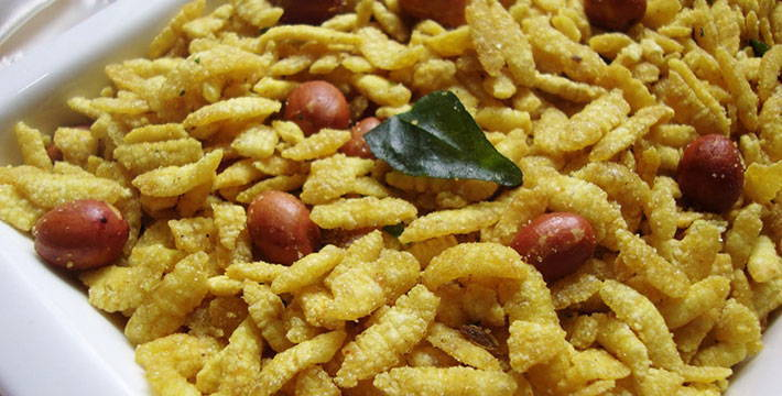चुरमुर्यांचा खमंग चिवडा - पाककला | Churmuryancha Khamang Chivda - Recipe