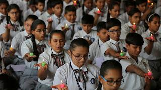 Se suicidan 21 estudiante tras reprobar un examen en la india