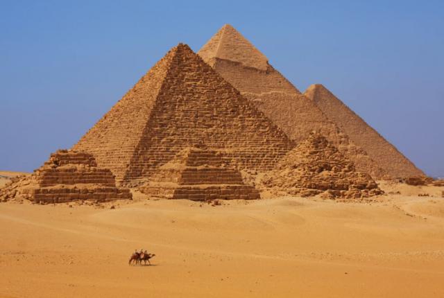 Diario explica la construcción de las pirámides de Egipto