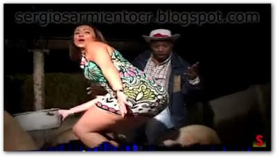 mujer de trasero grande, los chanchos de nena