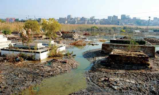 Sewerage Water Mars Solemnity of Christians' Graveyard   Zhob, Pakistan