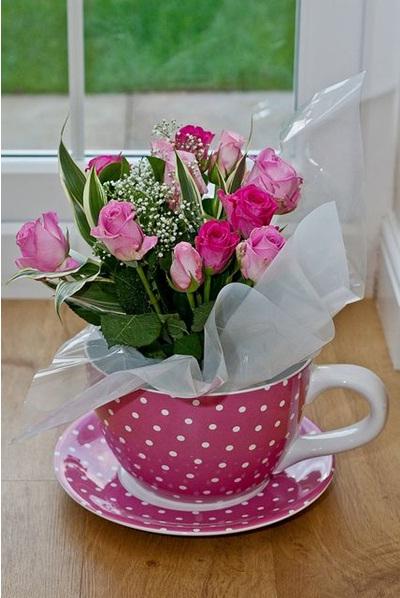 Rumah semuti bunga mawar dan babys breath dalam cangkir teh pink berbintik putih ini terlihat sangat cantik dan ingin kuberikan sebagai kado untuk temanku thecheapjerseys Images