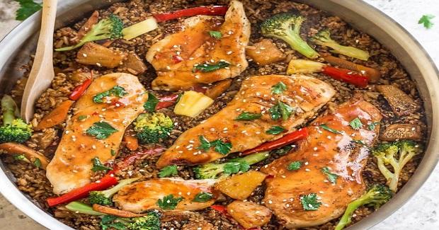 One  Pot Sweet Chili Chicken Rice & Quinoa Recipe