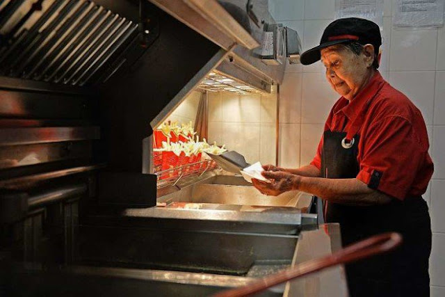 92-Year-Old Grandmother Is the Oldest Woman Working At McDonald's And She Is Loving It!
