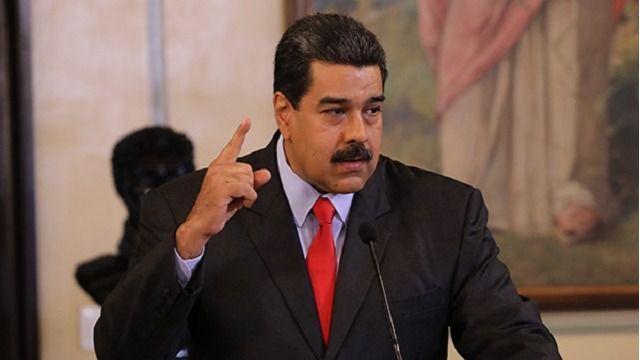 """Maduro irá el #11Ene al Palacio Legislativo para ser """"reconocido"""" por la constituyente cubana"""