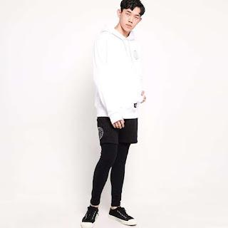 Wellborn X Blibli Era Hoodie Sweater - White