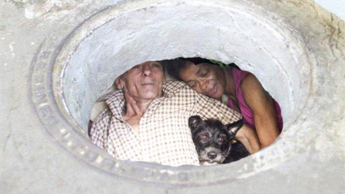 Pasangan Ini Tinggal di Selokan selama 22 Tahun, Tapi Isi di Dalamnya Membuat Terkejut