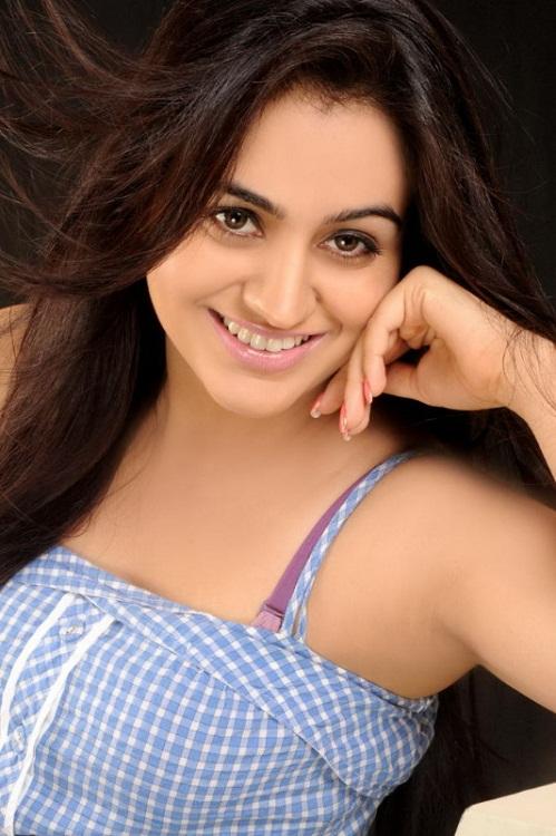 Aksha Pardasany Pictures