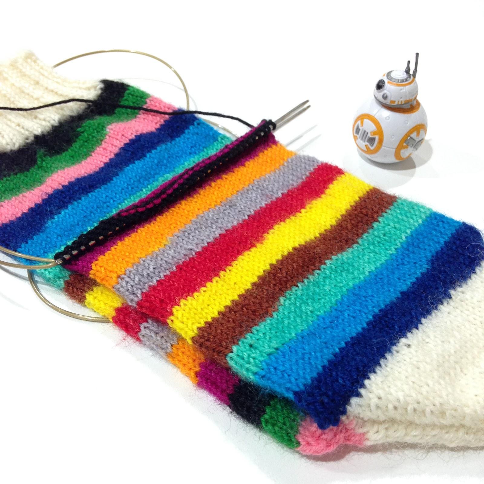 Vikki Bird Designs: FO Friday: Mind the Gap socks
