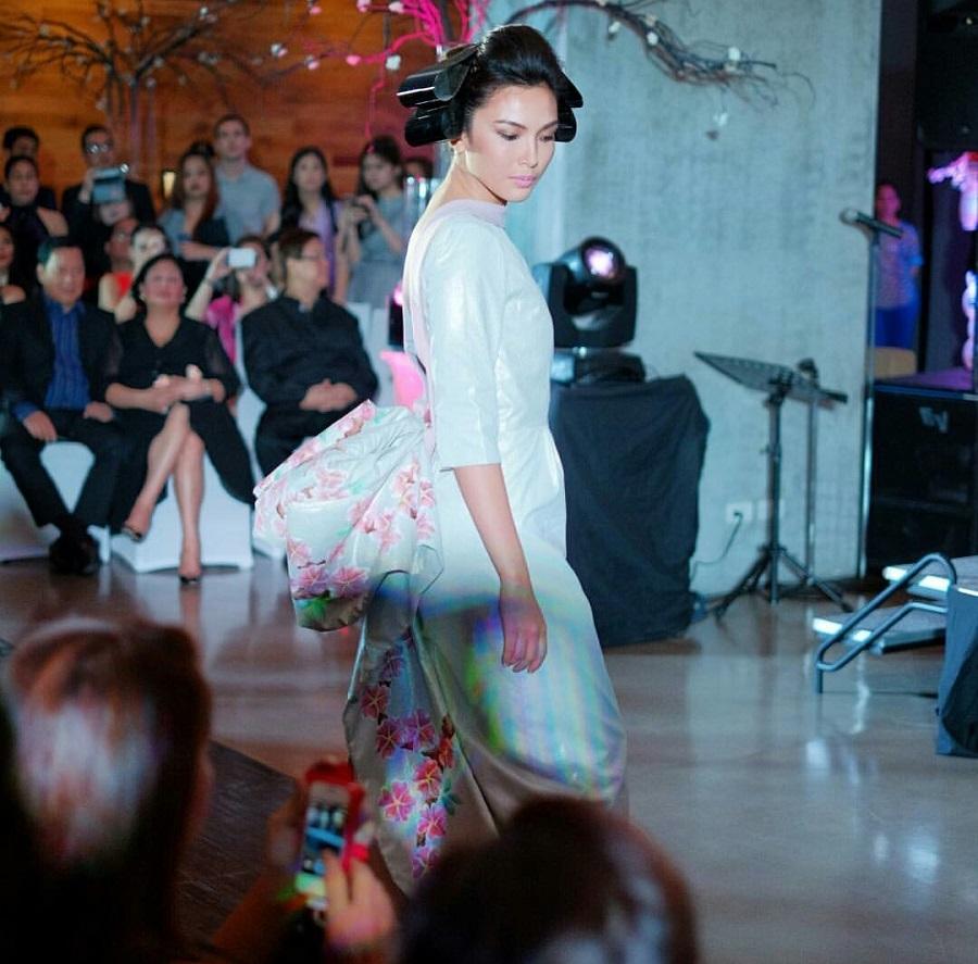 Gakuya by Kim Gan, cherry blossom, kimono