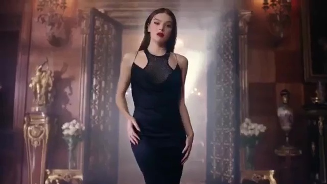 Hailee Steinfeld in Capital Letters Video