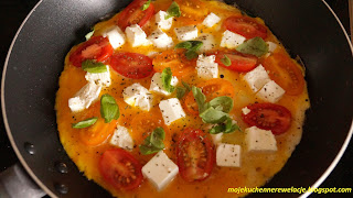 omlet z bazylią