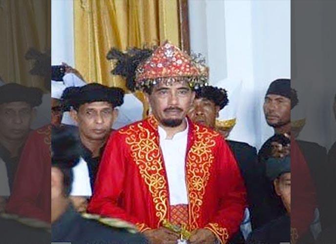 Pakaian Adat Sultan dan Permaisuri