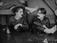 """Кадр из к/ф Чарли Чаплина """"На плечо"""" / Shoulder Arms (1918) - 5"""
