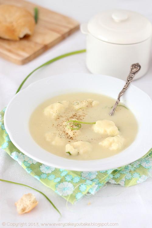 kremowa zupa z pora z ziemniaczano-serowymi kluseczkami
