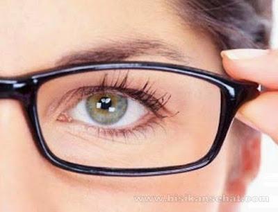 10 Cara Menjaga Kesehatan Mata dan Mempertajam Penglihatan