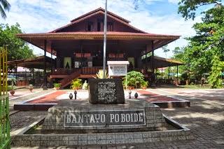 Rumah Adat Bandayo Poboide