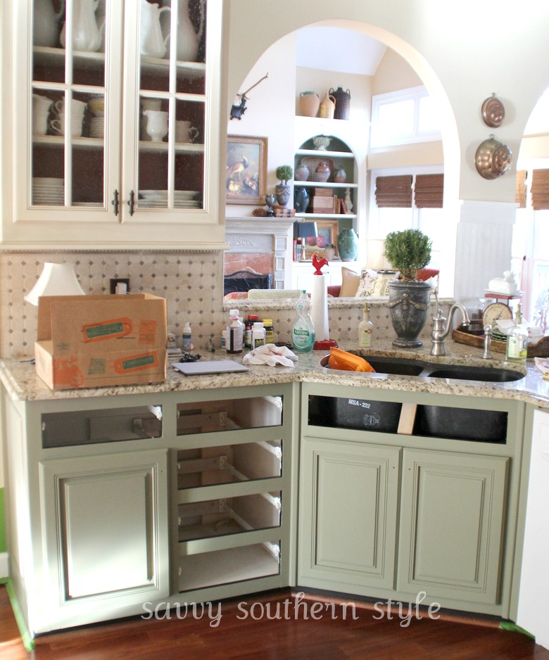 Pics Of Painted Kitchen Cabinets: Savvy Southern Style : Kitchen Cabinets Tutorial